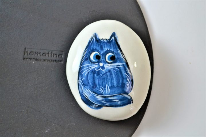 Paintings on Pebbles - Blue Cartoon Cat ceramic