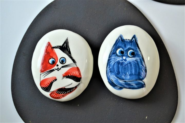 Paintings on Pebbles - Red & Blue Cartoon Cat ceramic