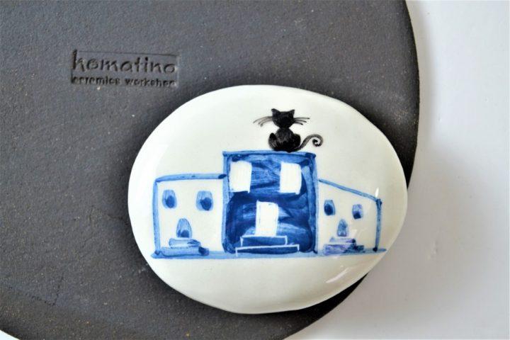 Paintings on Pebbles - Island Houses ceramic