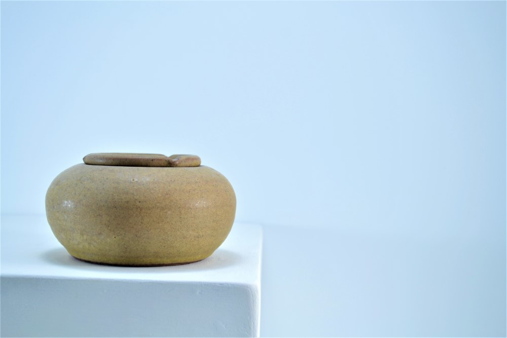 Windproof Ashtray Almond Brown ceramic