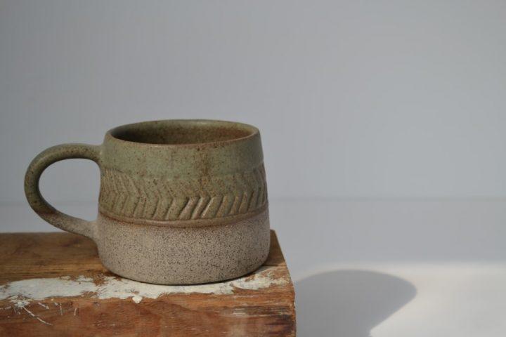 Fishbone Carved Mug Khaki/Grey ceramic