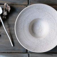 Hat Plate White Stigmas ceramic