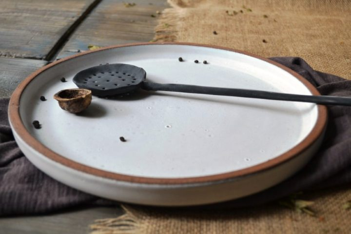 Basic Wide Rim Plate ceramic