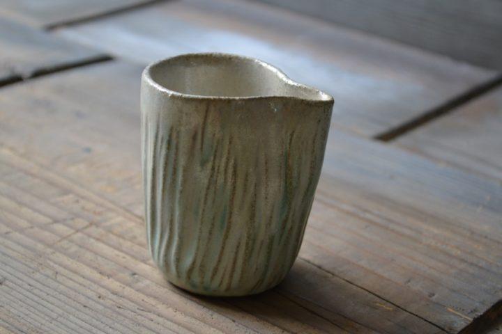 Textured Pourer ceramic