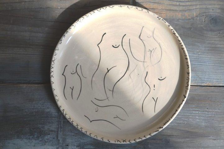 Nude Plate