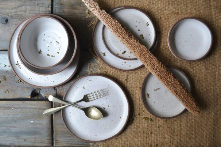 Basic Dinner, Brunch, Bread, Dessert & Cake Plate