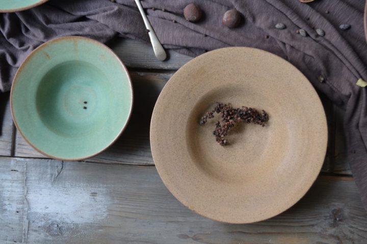 Pasta Plate 'M' Rusty Green & Pasta Plate 'L' Honey ceramic