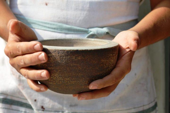 Serving Bowl Biscuit / White Stigmas ceramic