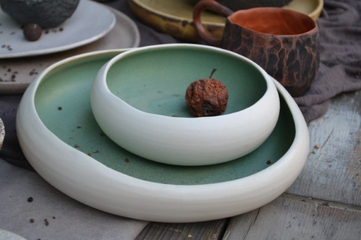 Pebble Shaped Plate 'L' & 'M' ceramic